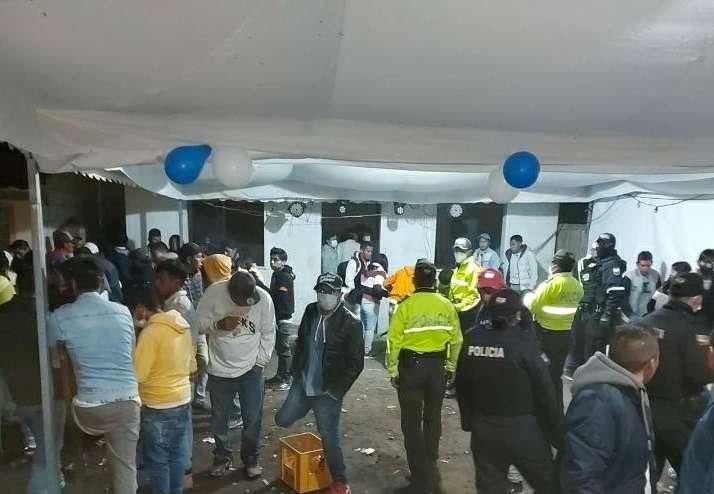 Policía cierra fiestas clandestinas con más de 300 personas