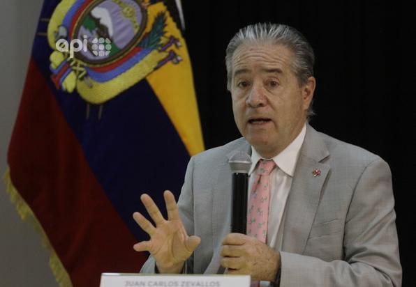 CASOS. Los ministro de Salud, Juan Carlos Zevallos, y Trabajo, Carlos Ándres Isch