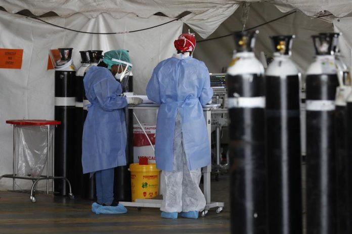 COVID. El mundo se hace presente enviando casi un millón de vacunas a Ghana, luego vendrá Costa de Marfil, en África. EFE