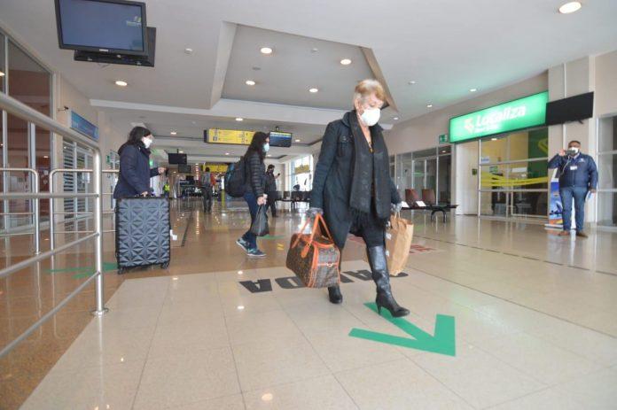 CIFRA. El número de turistas extranjeros cayó un 79% en 2020
