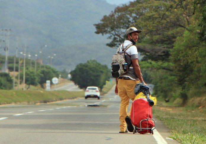Migración. En Cúcuta, que tiene el principal paso fronterizo con Venezuela, viven 96.133 de los más de 1,7 millones de migrantes venezolanos que se han establecido en Colombia. (EFE)