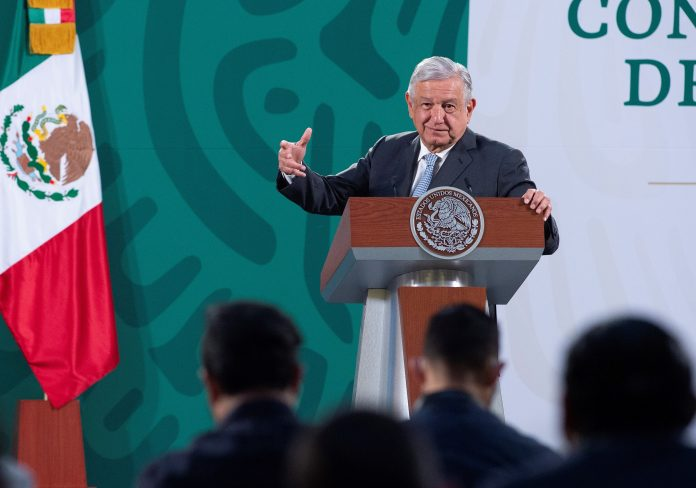 Anuncio. López Obrador detalló la reforma en su rueda de prensa matutina del 3 de marzo. (EFE)