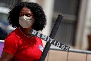 BRASIL. Mujeres parte del colectivo Mujeres por la Vida participan en una protesta contra el presidente de Brasil, Jair Bolsonaro, en el marco del Día de la Mujer, en Sao Paulo (Brasil).