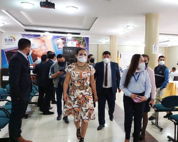 Elecciones. Diana Atamaint, presidenta del CNE, se trasladará a cinco provincias para verificar el avance de las actividades electorales. (Foto: CNE)