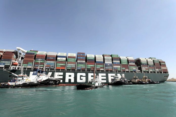 SITUACIÓN. Buque bloquea el Canal de Suez, desde el pasado 23 de marzo de 2021.