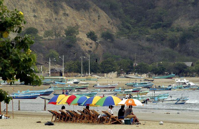Prohibición. Las playas, a nivel nacional, se mantendrán cerradas durante el feriado.