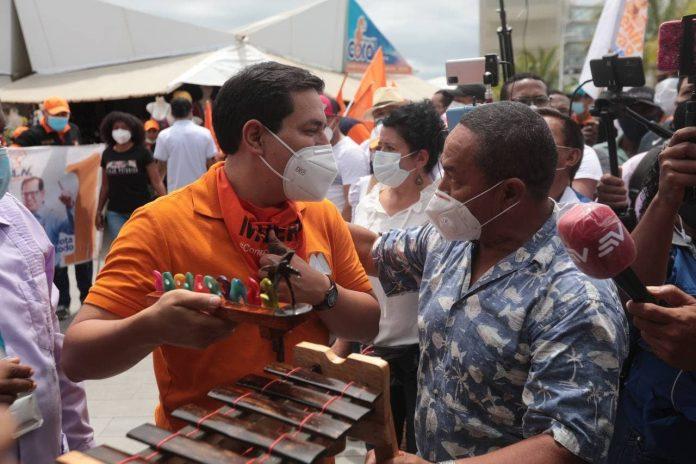 Candidatos. La Presidencia se define entre los candidatos Guillermo Lasso (CREO-PSC) y Andrés Arauz (UNES). (Fotos: Cortesía)