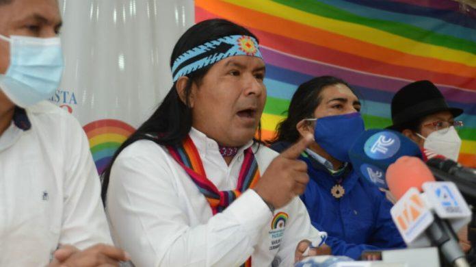 ANUNCIOS. Dirigentes de Pachakutik durante una rueda de prensa en Quito, el 6 de abril de 2021. Foto: API