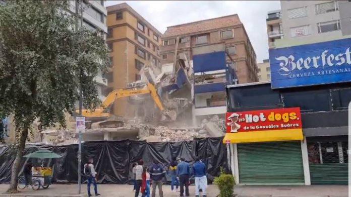 DERROCAMIENTO. El edificio sede de Alianza PAÍS fue demolido el 10 de abril de 2021. Foto: Cortesía.