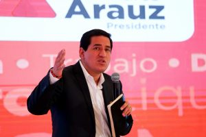 SITUACIÓN. El candidato del correísmo a la Presidencia de Ecuador, Andrés Arauz, durante un evento de campaña.