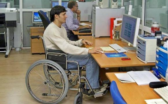 SEGURIDAD. Un total de 15 taxis estarán disponibles para trasladar a las personas con discapacidad a los recintos electorales. (Referencial)SEGURIDAD. Un total de 15 taxis estarán disponibles para trasladar a las personas con discapacidad a los recintos electorales. (Referencial)