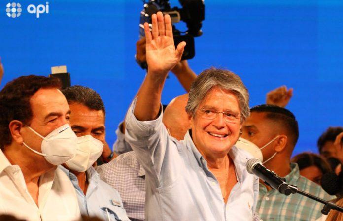 Electo. Guillermo Lasso será posesionado en la presidencia el 24 de mayo. Tras las elecciones, a las 21:00 dio su primer discurso. (Foto: API)