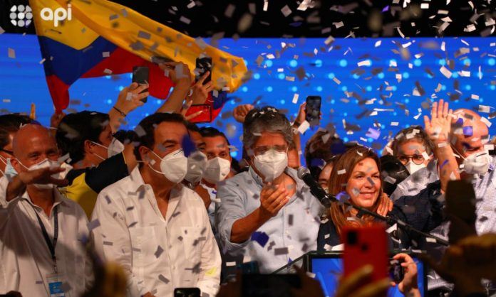 Guillermo Lasso celebra su triunfo en la segunda vuelta de las elecciones presidenciales de 2021. Foto. API