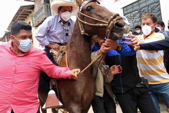 Candidatos. Pedro Castillo y Keiko Fujimori se enfrentarán en la segunda vuelta en Perú.