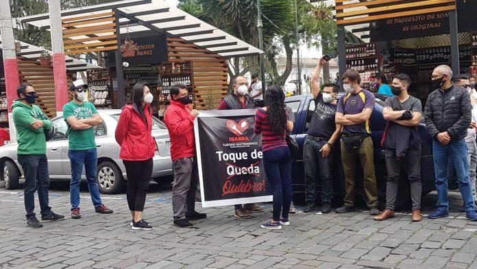 Protesta. El 13 de abril de 2021 organizaron un plantón en el centro de Ibarra, los representantes de estos sectores económicos.