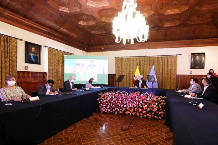 Miembros. Lenín Moreno nombró a Jorge Wated, Andrés Isch y Sandra Argotty para el proceso de transición.