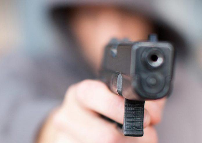 Robo a mano armada en Miraflores