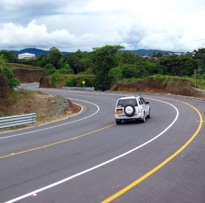 Restricción vehicular carreteras estatales de Ecuador