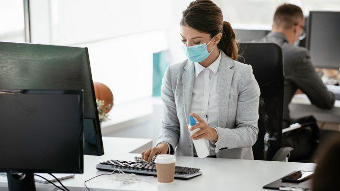 META. Menos gente en la oficina y más en modalidad de teletrabajo ayudan a enfrentar la pandemia.