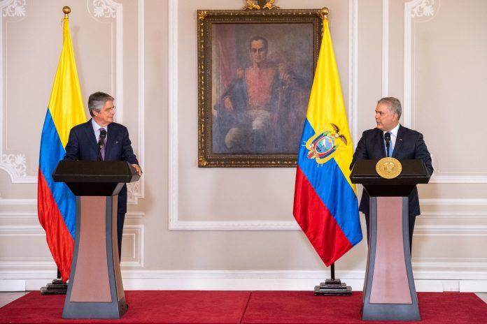 FIGURAS. Guillermo Lasso, presidente electo de Ecuador, junto a Iván Duque, presidente de Colombia.