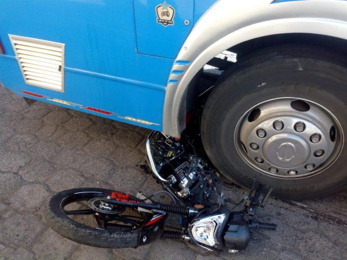 Dos motorizados heridos en Ambato