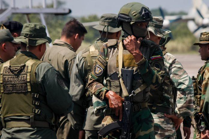 Las Fuerzas Armadas Bolivarianas de Venezuela no informaron el número de bajas en el enfrentamiento del 26 de abril de 2021. (EFE)