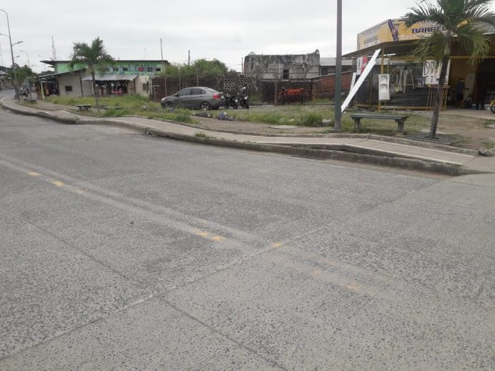 PANORAMA. Varios accidentes se han dado debido al mal estado de la vía.