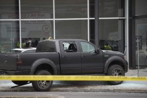 Harrison Salcedo fue asesinado mientras conducía su camioneta, una Ford F-150 negra, sin placas. /API