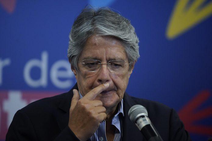 DECISIÓN. Guillermo Lasso tendrá que buscar una figura fuera de los extremos para dirigir la economía.