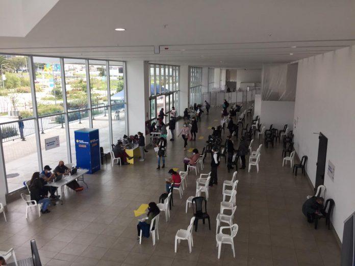 COVID. El proceso de vacunación en el Centro de Convenciones Bicentenario.
