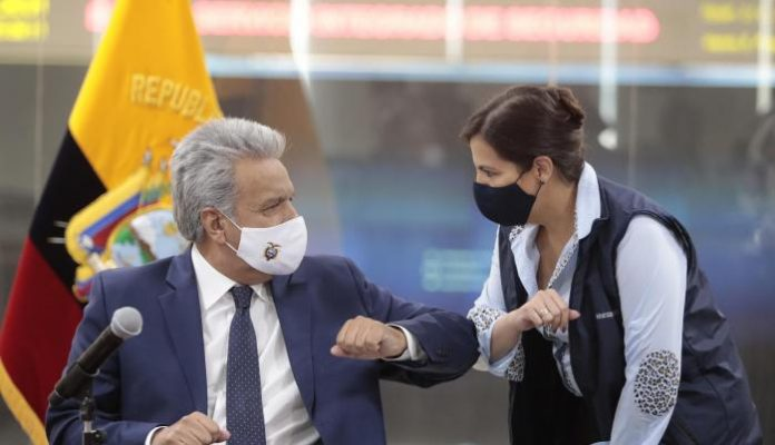 El presidente Lenín Moreno y su ministra de Gobierno, María Paula Romo, en el Palacio de Carondelet, en Quito, este 20 de septiembre de 2020. Foto. Cortesía.