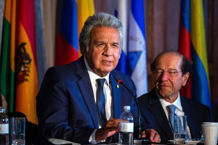 MOMENTO. El presidente de Ecuador, Lenín Moreno, habla durante el foro