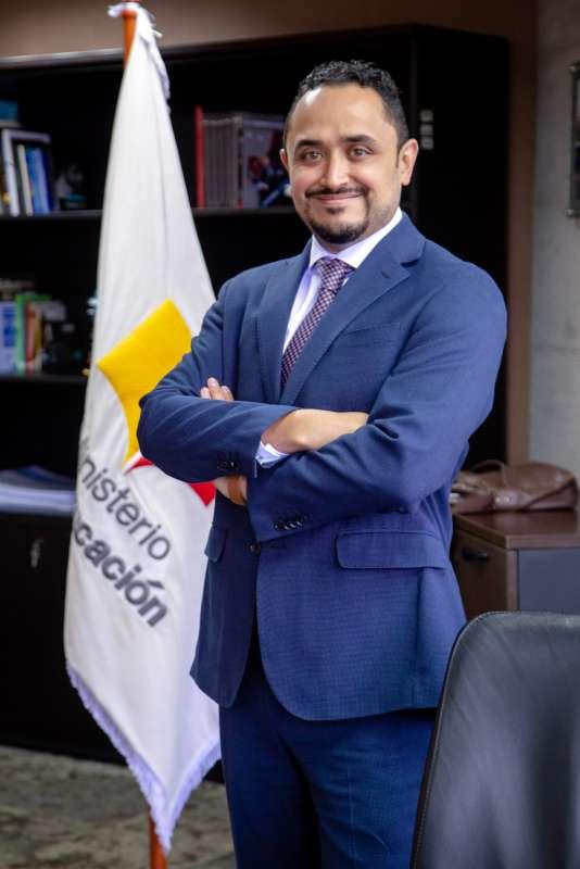 En Ecuador, alrededor de 90.000 estudiantes están fuera del sistema educativo, según Unicef.