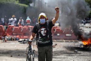 Protestas. La tensión siguió reinando este 5 de mayo de 2021 en las calles de Colombia, donde persisten las manifestaciones contra el Gobierno.