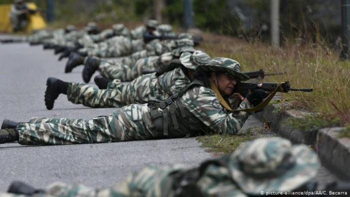 ACCIÓN. La Fuerza Armada Nacional Bolivariana (FANB) en enfrentamientos con disidentes de las FARC. (Foto referencial).