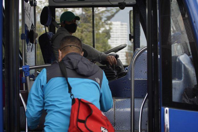 COMBUSTIBLES. El alza de pasajes es uno de los pedidos del gremio de transportistas de Quito.