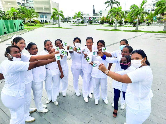 Enfermeras festejan su Día