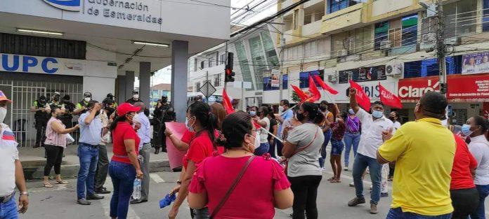 PETICIÓN.- Maestros exigen la reincorporación de 12.000 docentes que fueron desvinculados de sus trabajos hace un año por la pandemia.