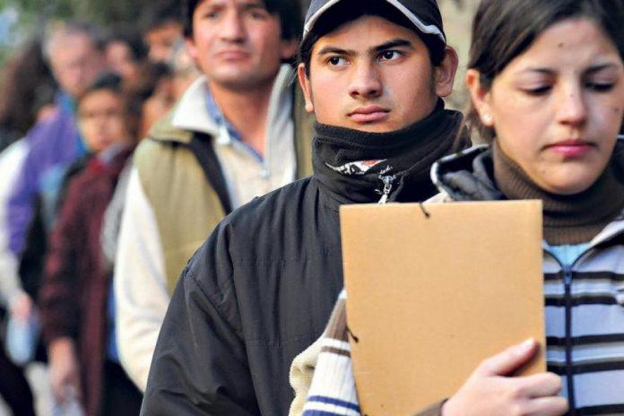 REALIDAD. Las condiciones sociales y económicas de la juventud se han deteriorado.