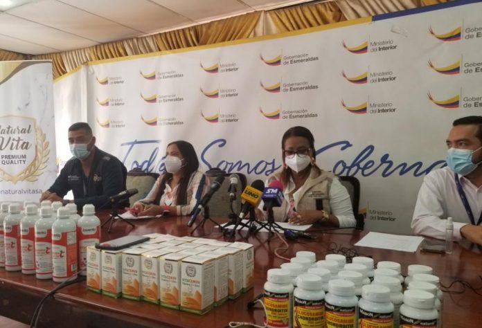 GESTIÓN. La gobernación de Esmeraldas, Cecilia Angulo, recibió la donación de 1.800 medicamentos para las comunidades rurales de la provincia.