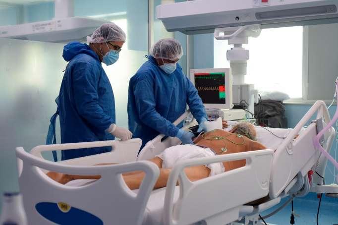 Panorama. La ocupación de Unidades de Cuidados Intensivos (por Covid-19) es del 96% en Quito. El uso de mascarilla es fundamental para mantener el cuidado.