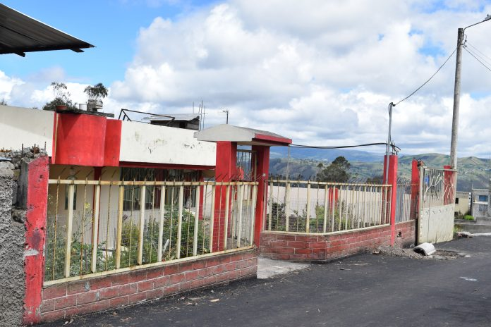 Realidad. Las localidades lucen solitarias y algunas casas abandonadas.