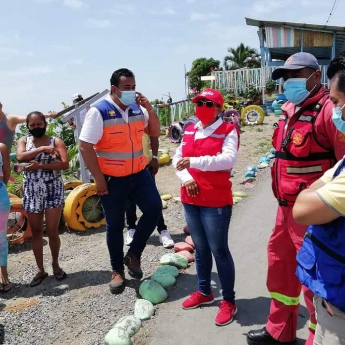 REALIDAD. Las familias que están en zona de peligro en el barrio El Regocijo no quieren ser reubicadas al complejo habitacional El Coral
