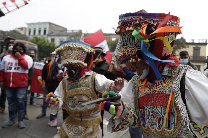 ELECCIONES: Los seguidores de Pedro Castillo esperan un cambio radical del modelo de país.