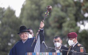 Ceremonia. Una purificación andina antecedió la entrega del bastón de mando. (Foto: Presidencia)
