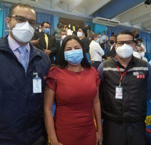 Hardy Morales, director distrital de Salud de Esmeraldas; Yuri Colorado, gerente zonal 1 de Banecuador, y Álex Estupiñán, jefe operativo del ECU Esmeraldas.