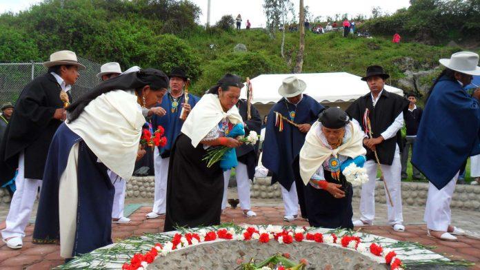 Danzas. Desde junio hasta agosto se solían desarrollar las celebraciones del Hatun Puncha o Inti Raymi en Otavalo.