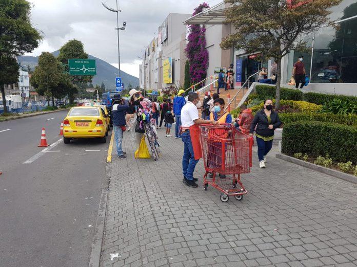 Comercio. En el norte de Quito, los centros comerciales fueron los sitios para ir con los papás.
