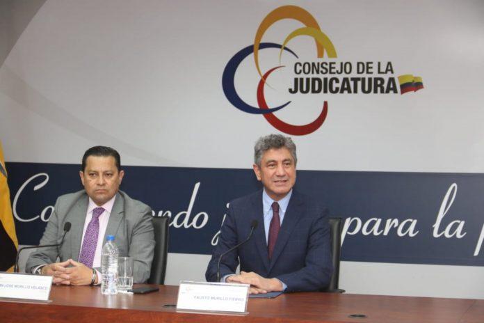 Fausto Murillo, durante una rueda de prensa realizada en Quito.