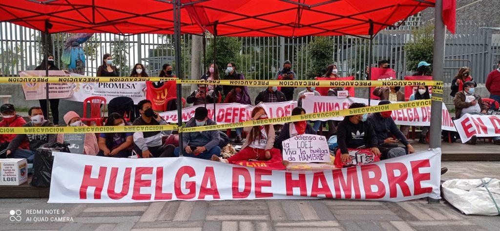 Maestros continuarán con la huelga de hambre